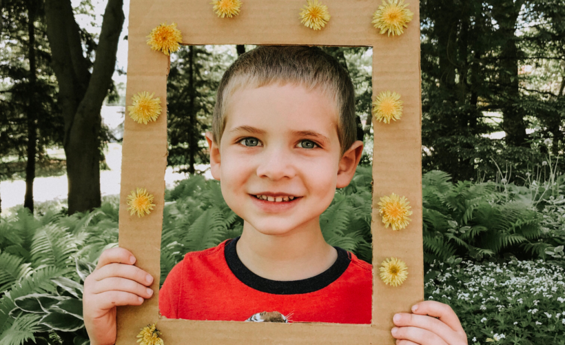 Cute dandelion frame that kids can make!