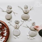 Wether you have a Frozen fan in your house (or classroom) or just looking for a fun and unique snowman activity, I have the perfect DIY nature puzzle for you! Yes, this eco-friendly activity invites children to build snowmen using the rock outlines as a self-correcting guide and the loose parts offer many ways to decorate the snowmen!