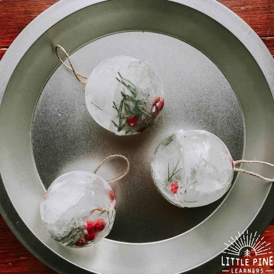 Here is a fun and simple ice sensory activity to try this winter! These ice spheres look just like Christmas bauble ornaments, making this the perfect sensory activity to try this holiday season!