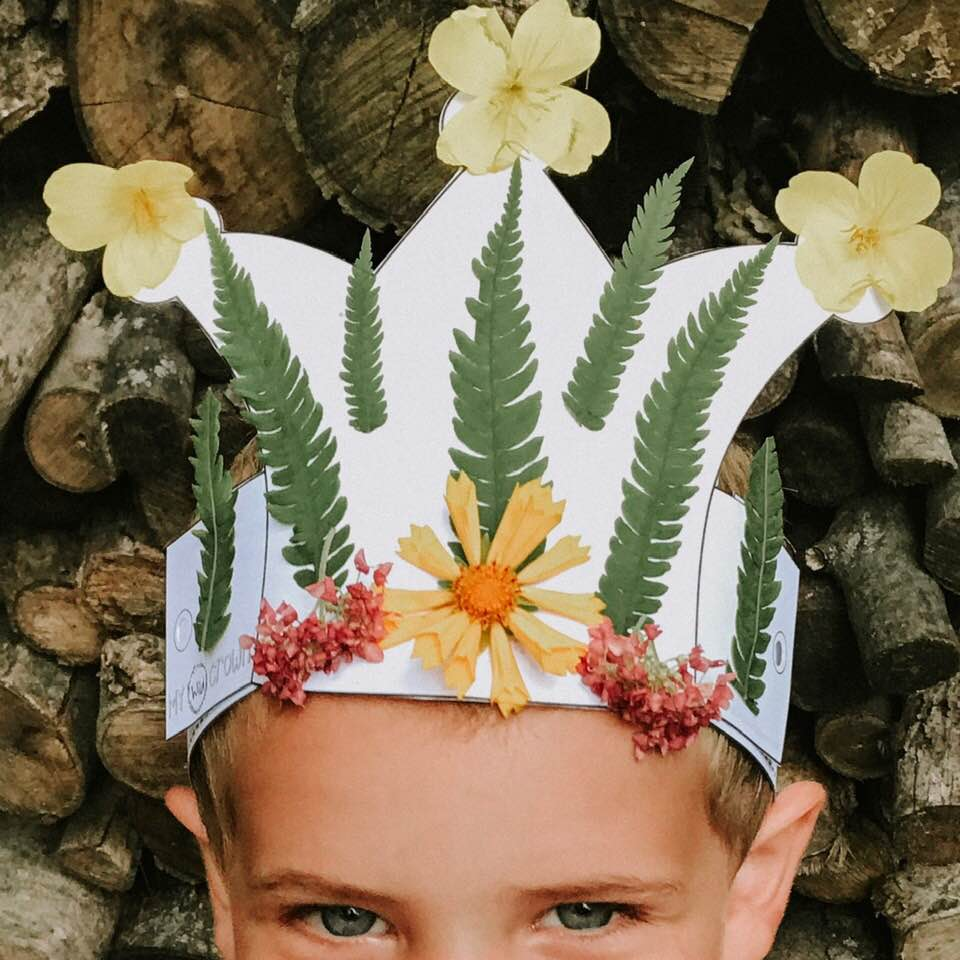 20+ Pressed Flower Crafts for Kids!